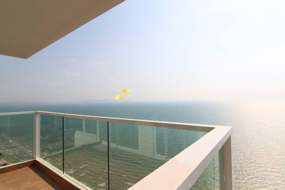 cetus beachfront condo 2 bedroom for sale / rent in jomtien beach for sale in Jomtien Pattaya